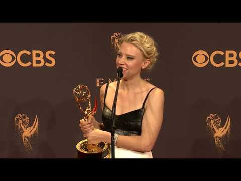 Download Youtube: Kate McKinnon - Full 2017 Emmys Backstage Interview