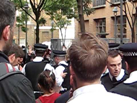 SOAS education is no commodity part II (police violence)