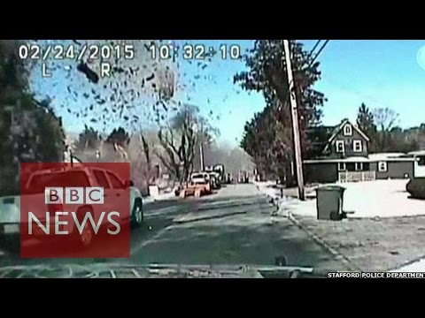 Gas explosion: Moment US house is destroyed - BBC News