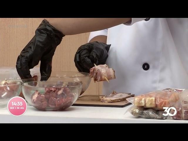 Arrase no churrasco aprenda a montar um espetinho perfeito -  Com Você
