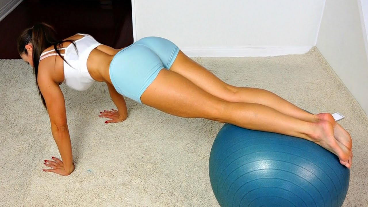 AB Workout on a Ball -- Lean Stomach and Strong Core