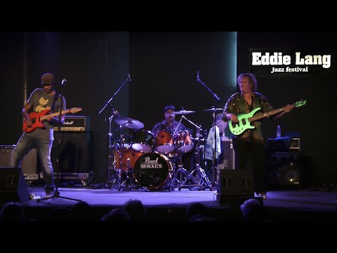 "Greg Howe/Stu Hamm/Dennis Chambers - ""Sunny"" live @ Eddie Lang Jazz Festival 2011"