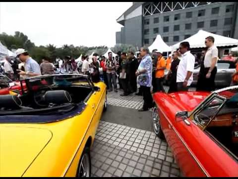 Sultan of Johor at The Malaysian International Vintage and Classic Car Concours at Matrade