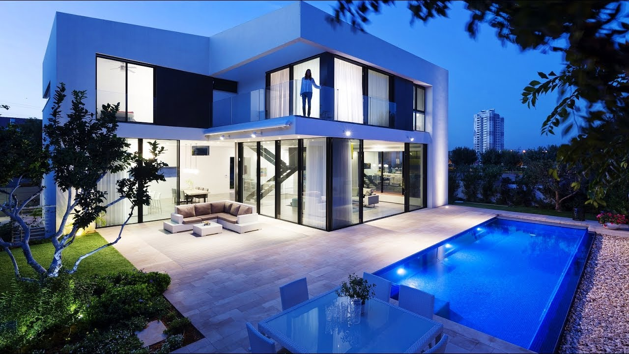Decoration Modern Pictures Of Beautiful Houses: Superb Symmetrical Minimalist Modern Luxury House In