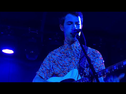 "Wallows ""Uncomfortable"" 