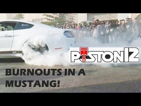 SYMBIOSIS SUPERCAR SHOW | PISTON12 | SYMBHAV 2017 | MUSTANG DOING BURNOUTS IN PUNE
