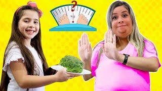 Heloísa ensina sua Mamãe a comer e a se exercitar bem! to eat and exercise properly