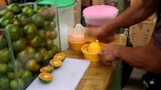 ES JERUK MURNI LANGSUNG PERAS DAN MURAH DI GLODOK - INDONESIAN STREET FOOD
