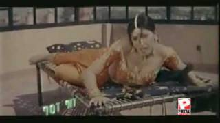 Khothe-Utte-Sutti-Saan-Sana-Hot-Mujra-Dance-Pakistani-SOnG