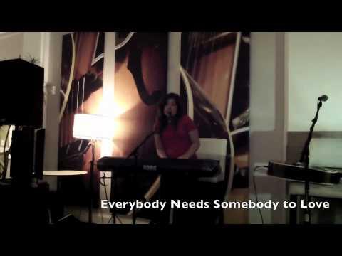 Everybody Needs Somebody to Love mp3