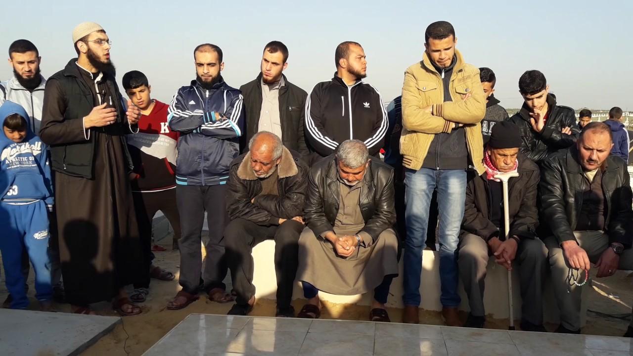 """زيارة مقبرة الشهداء """"موعظة للشيخ محمد الزقوت"""""""