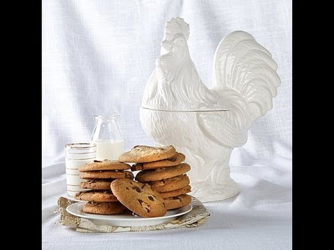 Jeffrey Banks White Rooster Jar With Cookies
