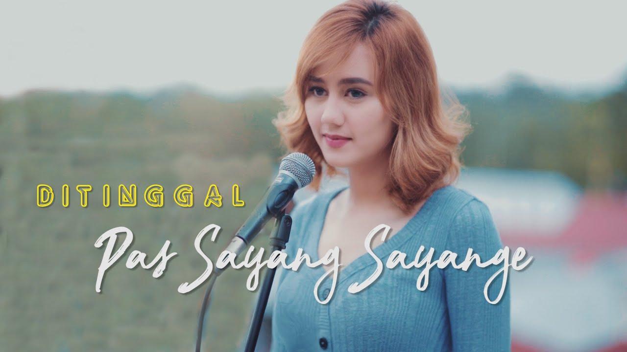 DITINGGAL PAS SAYANG SAYANGE -  ( Ipank Yuniar ft. Jodilee Warwick Cover & Lirik )