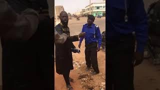 Mali : Un citoyen dit ses 4 vérités à un policier corrompu (vidéo)