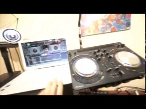 DJ ADVISE CONNECTING A PROJECTOR TO YOUR  VJ SET UP