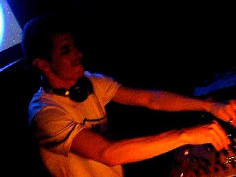 MAHRCIO SANTOZ playing GRINDHOUSEradio slave
