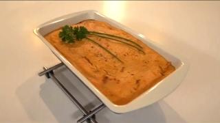 Разноцветный салат, крем-суп в запеченной тыкве, тыквенная запеканка с сосисками | Детское меню