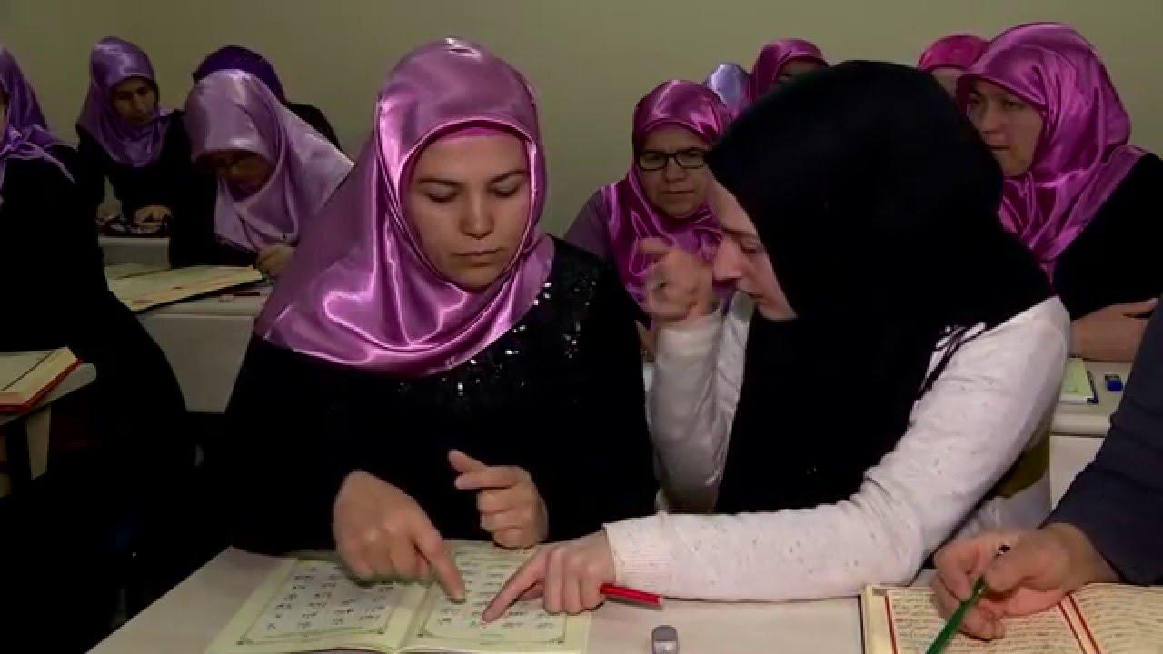 Tüm Engellerini Aşıp Kur'an'a Sarıldılar - TRT DİYANET