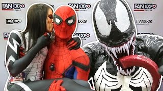 Spider-Man VS Fan Expo Dallas 2017 VS Pretty Ladies VS VENOM