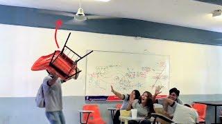 Ventilador vs Silla | Esto es lo que pasa cuando impactan... | TheVicBang!