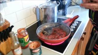 Bolognese Sauce - with mushrooms and red wine