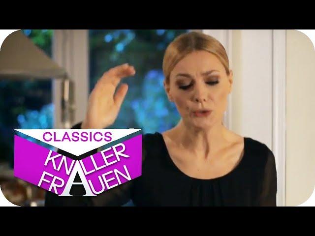 Krasse Sängerin [subtitled]   Knallerfrauen mit Martina Hill