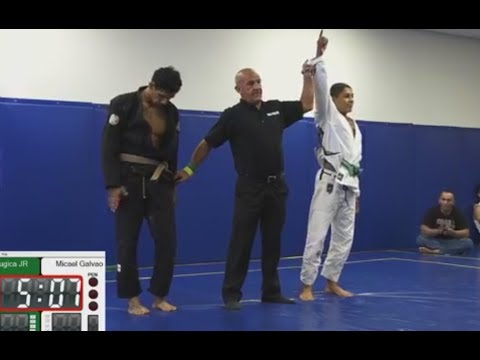 13 Year Old Green Belt Micael Galvao Defeats Brown Belt by Sub