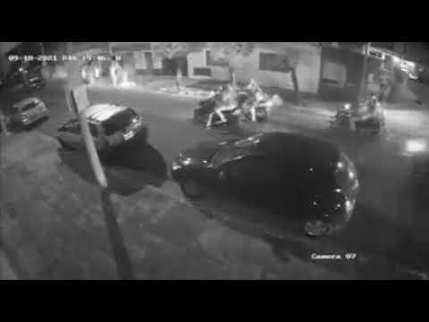 Robo piraña a un delivey en Ramos Mejía: se bajaron de cuatro motos y le sacaron la suya