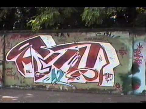 MUR SŁUŻEWIECKI / WKD WARSZAWA ŚRÓDMIEŚCIE GRAFFITI 1999 ROK