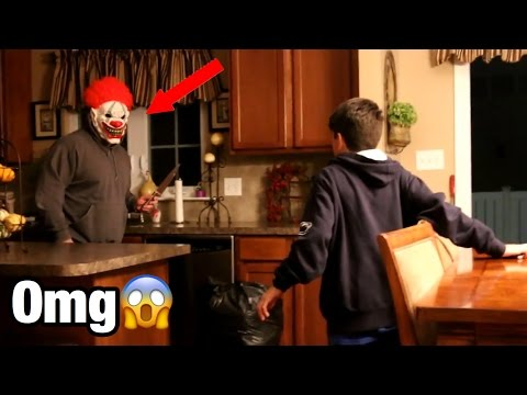 MY STALKER KILLER CLOWN BREAKS INTO MY HOUSE! *CRAZIEST THING IN MY LIFE*