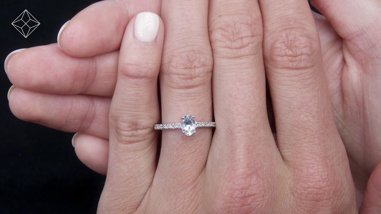 0.35ct Aquamarine 0.08ct Diamond and 9K Gold Ring