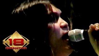 Dewa 19 - Dua Sejoli (Live Konser Surabaya 6 November 2005)