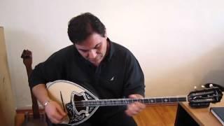 O Λευτέρης Λαζάρου με μπουζουκι κατασκευης Bouzoukia Vamvakas Video
