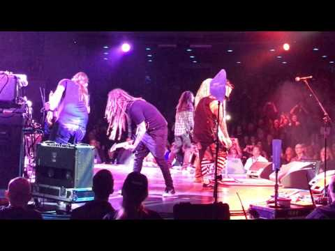 Korn final encore, front row, alice coopers christmas pudding. Johnny Depp