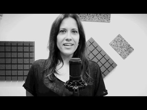 Clara Luna _ SMILE a capella (Charles Chaplin)