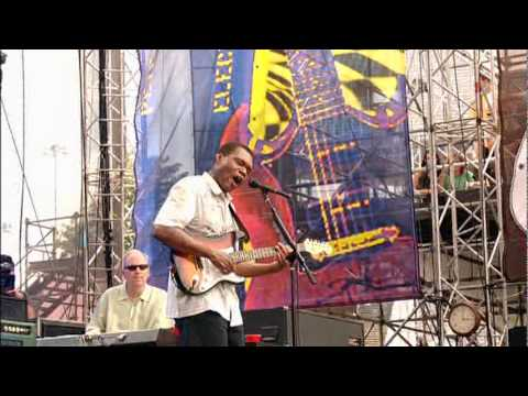 robert-cray-time-makes-two-crossroads-guitar-festival-yael-dhaene