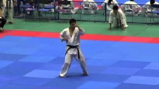 型 15歳~34歳男子(18名) 優勝者 決勝型 http://kyokushin-shiga.com/?p...