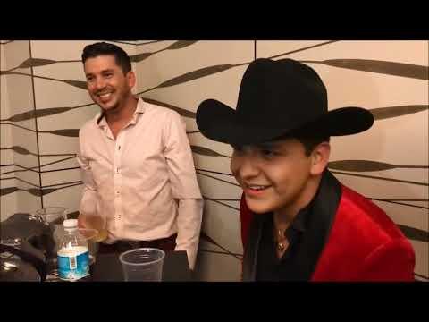 Christian Nodal y El Flaco de Los Recoditos cantando juntos 2017