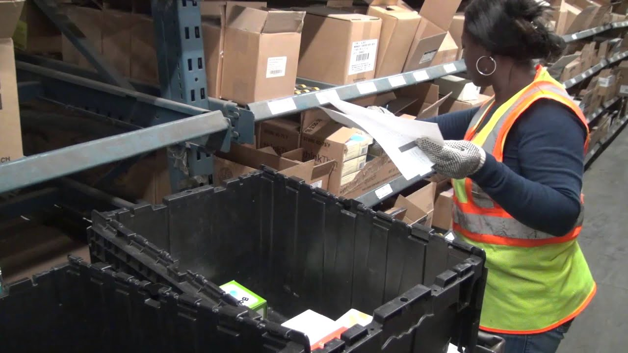 A Day In The Life Of A UNFI Warehouse Associate: See What Itu0027s Like!    YouTube