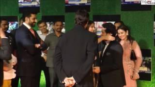 Aishwarya Rai HUG To Sachin During Sachin A Billion Dreams Premiere