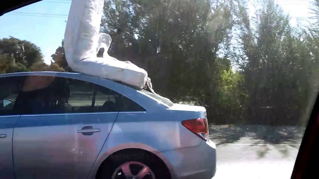 How Not To Tie A Mattress On Top Of A Car Youtube