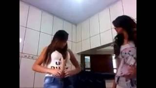 Download Video Video Lucu parah wanita ini memasukan sesuatu kedalam anunya MP3 3GP MP4