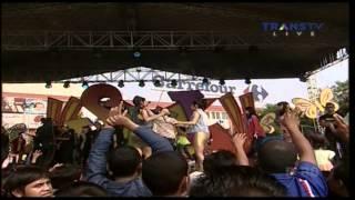 Gambar cover 2 UNYU2 [E Masbuloh] Live At SKJ (06-03-2014) Courtesy TRANS TV