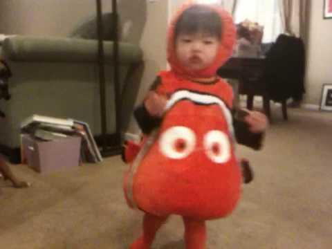 Cute Little Nemo Halloween Costume  sc 1 st  YouTube & Cute Little Nemo Halloween Costume - YouTube