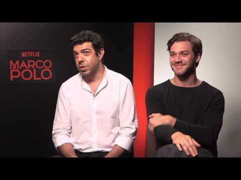 Pierfrancesco Favino e Lorenzo Richelmy (Marco Polo)