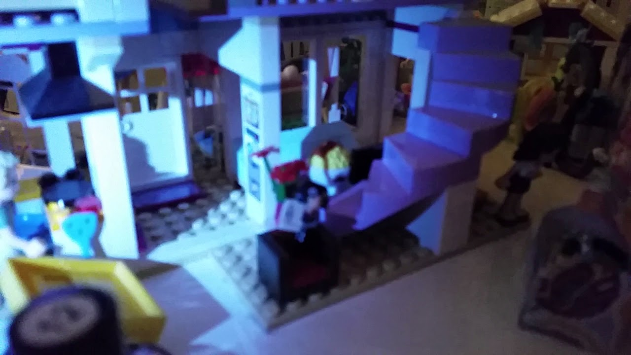 The Incredibles Violet And Edna Mode Figures In The Lego Friends Dollhouse Youtube