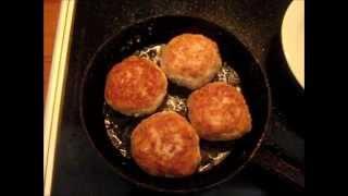 Котлеты мясные / Готовить легко(Готовим вкусные домашние котлеты! Спасибо за ваши комментарии, лайки и подписку на канал ! http://goo.gl/YNvc6O!..., 2011-04-15T11:39:43.000Z)