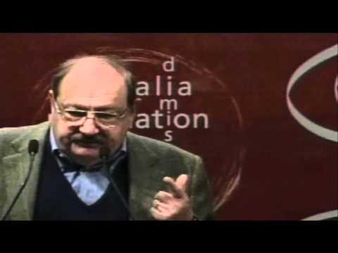 "Umberto Eco: ""Siamo governati da uno schizofrenico"" (Palasharp, 05/02/2011)"