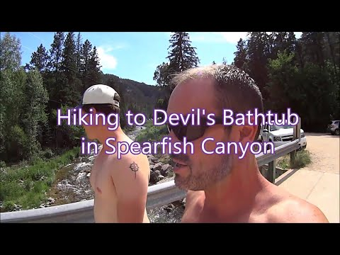Hiking to Devil's Bathtub in Spearfish Canyon