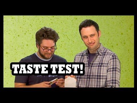味覚テスト!! We Taste ALL THE JAPANESE KIT-KATS!!!! - Food Feeder